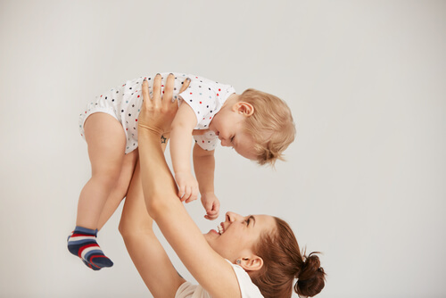 Mom play with kids