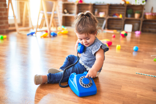 Toy Telephone for Learning Language
